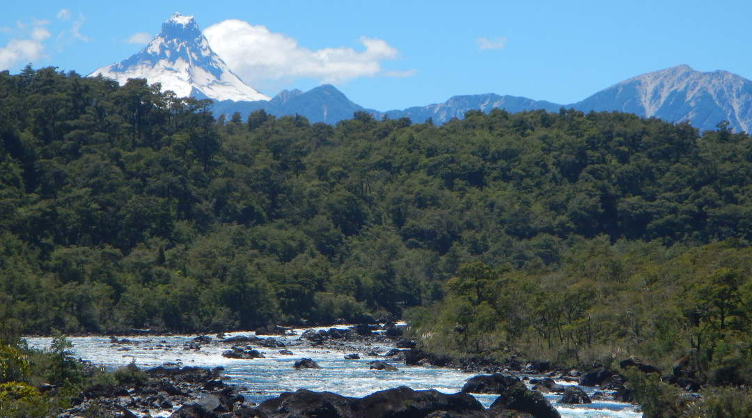Best waterfalls around Chile and volcanoes